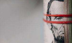 pexels-karolina-grabowska-manage financial stress for better mental health 3