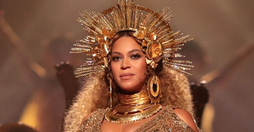 singer-beyonce-during-the-59th-grammy-awards-at-staples-news-photo-2